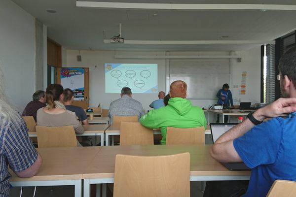 Vorlesungssaal Uni Würzburg in einer Session