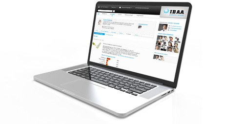 Soziale Plattform IBAA auf einem Laptop